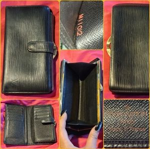 AUTHENIC Black Leather Epi Louis Vuitton Wallet